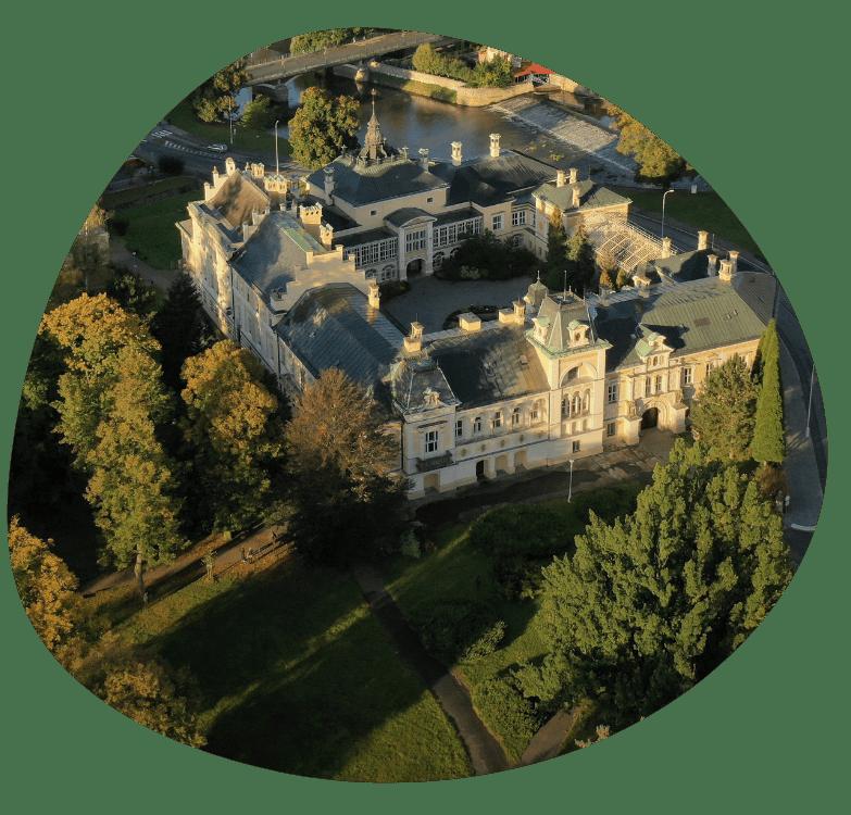 zamek svetla_783x750