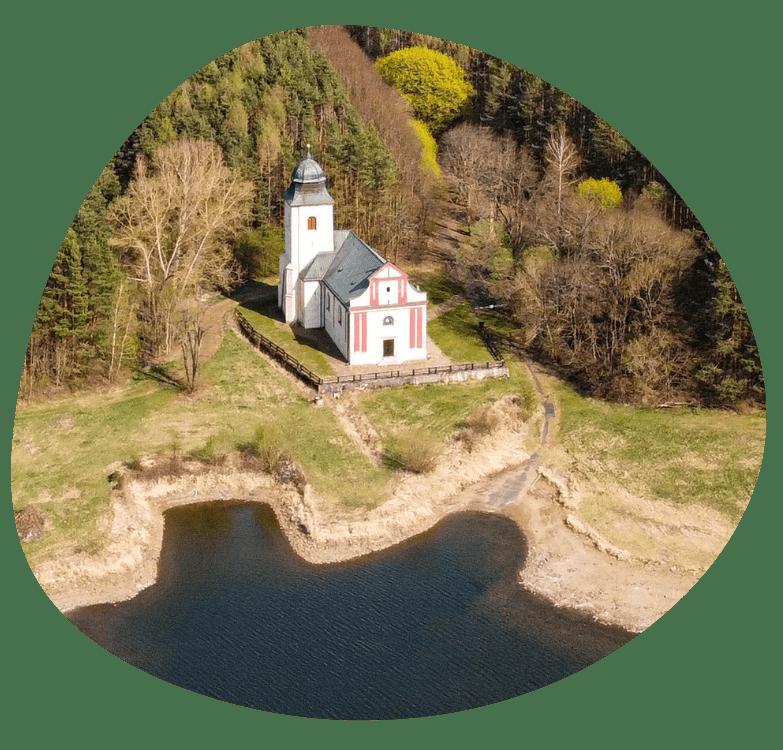 kostel sv. Vita v Zahradce_trsatko_783x750 px